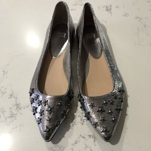 BP flat shoes silver with 3D start size:8M